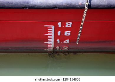 Ship waterline feature