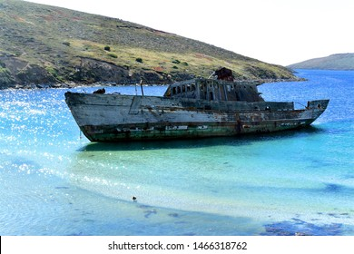 ship wreck on the falkland islands