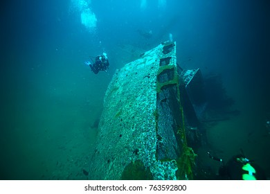 shipwreck, diving on a sunken ship, underwater landscape
