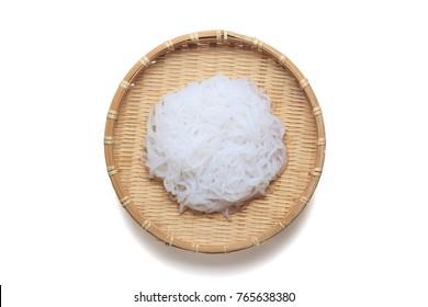 Shirataki noodles, Konjac