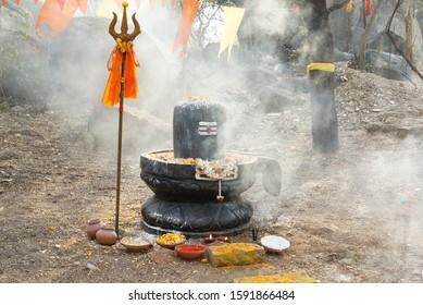 shiva lingam images in india