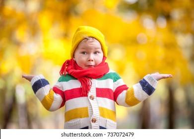 366 hình ảnh bé trai quàng khăn cổ, tuyệt đẹp cho in ấn thiết kế, mời bạn cùng tham khảo