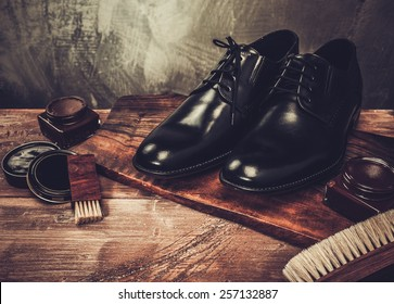 Zapatos Hombre Images, Stock Photos & Vectors | Shutterstock