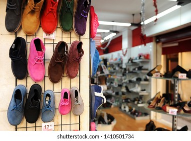 Shoe store in Spain, soft leather boots for all ages