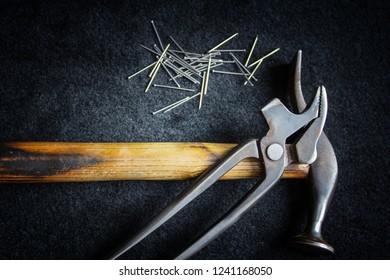 Shoe Tool Hammer Tongs Nails