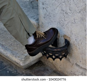 shoes cleaner in the street