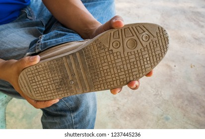 shoes stepped on toes nails