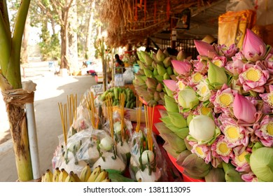 Shop next to temple,  Pre-Anne chain pre-Anne Chom at angkor Wat, Siem Reap, Cambodia.