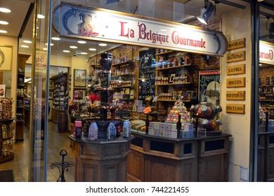 "Shop window ""La Belgique Gourmande"", candy shop and chocolatier of Bruxelles, october 2017 15th."