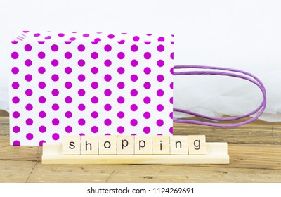 Shopping bag for gifts with moles