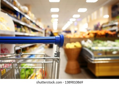 Vegetable Selling Cart Images, Stock Photos & Vectors