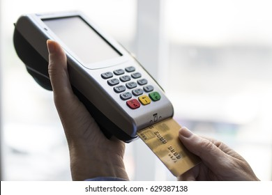 shopping and e-payment with card in the terminal