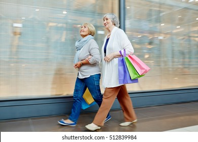 Shopping at leisure