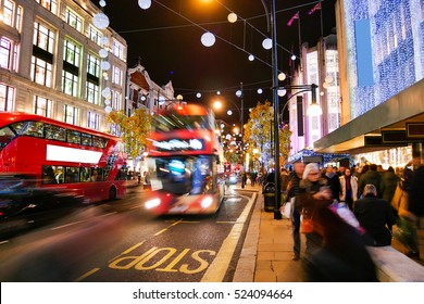 Shopping on Oxford Street London, Christmas day