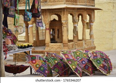 shopping on roadside of jaisalmer