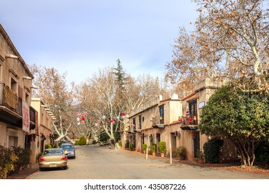 Shopping street in Tlaquepaque Arts and Crafts Village in Sedona, Arizona