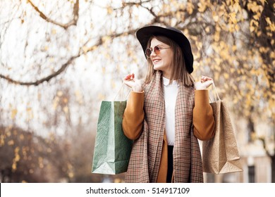 shopping woman fun fashion