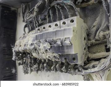 Short circuit burnt  consumer unit,Circuit Breaker.Electricity short circuit .