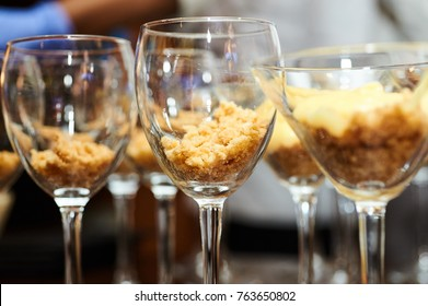 shortbread cookie with cream in a glass