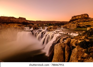 Shoshone Falls at sunset in Twin Falls, Idaho, USA.