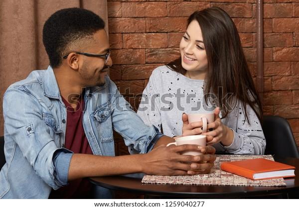 ex dating vihollinen