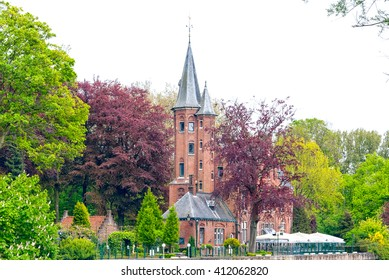 A shot of the Minnewater palace in Bruges