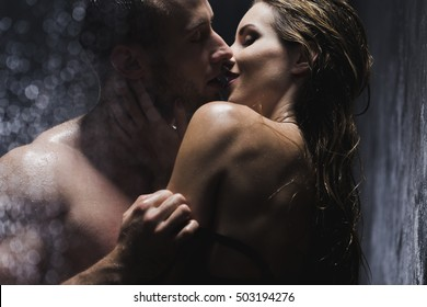 Amusing question Couples naked in shower kissing would like