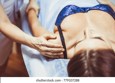 shoulder massage in the salon