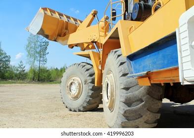 shovel loaders