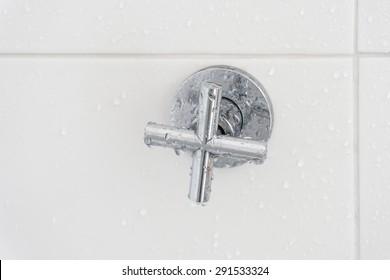 shower faucet in bathroom