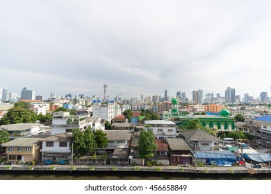 Showing many types of building in Bangkok at 2016-07-21