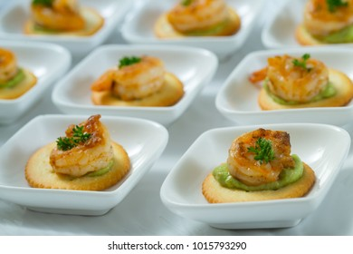 Shrimp and Cracker Appetizer, party food, finger food, sliders, food catering.