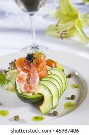 Shrimp salad with fruit and white wine