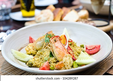Shrimp with stired green curry with rice