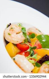 Shrimp, vegetables and fruit salad (with tomato, asparagus, radish, grapefruits, basil)