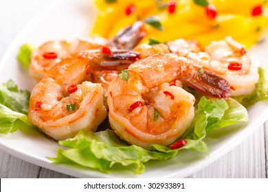 shrimps with mango salad