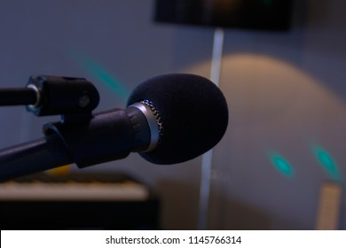 Shure beta 58 best microphone dynamic on stage
