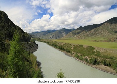 The Siberian river Katun in the afternoon