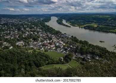 Sicht auf den Rhein und der Stadt Bad Honnef - Shutterstock ID 2017002785