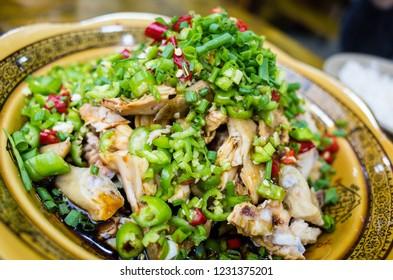 Sichuan food Hot pepper numbing chicken