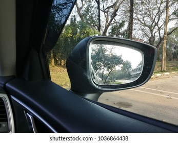 side mirror vehicle view