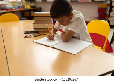 Peachy School Desks Children Stock Photos Images Photography Beutiful Home Inspiration Ommitmahrainfo
