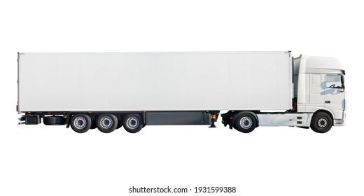 Vista lateral de un nuevo gran camión de carga blanco con espacio de copia aislado en un fondo blanco