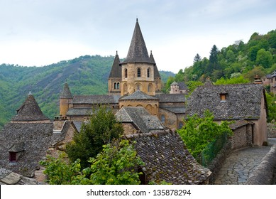 Side view on the Abbey of Saint-Foy at Conques, France