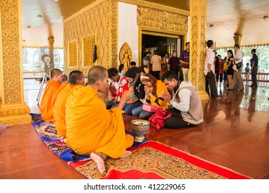 Siem reap, Cambodia - Apr 14, 2016 - Cambodian people go to the temple in kmher new year.
