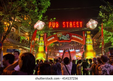 Siem reap, Cambodia - Apr 14, 2016 - Cambodian's New year festival at Pub street in Siemreap
