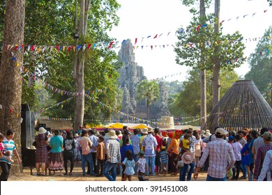 SIEM REAP, CAMBODIA - APRIL 2015: Peoples join Khmer New Year (Angkor Sangkran)  in Angkor Thom, Siem Reap, Cambodia is the most visited place.