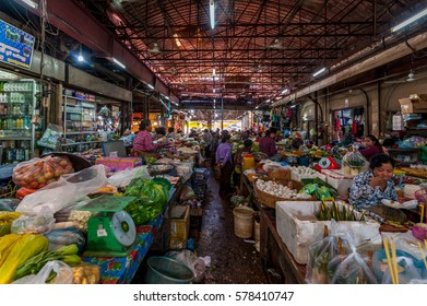 SIEM REAP, CAMBODIA - DEC 9: Old Market on Dec 9, 2015 in Siem Reap.
