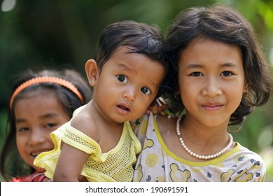 Cambodian Family Life Images, Stock Photos & Vectors