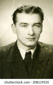 SIERADZ, POLAND, CIRCA FIFTIES - Vintage portrait of man